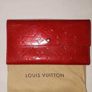 Louis Vuitton Authentic Porte Tresor vernis wallet